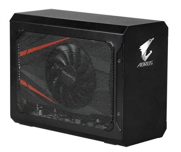 Док-станция Gigabyte Aorus GTX 1070 Gaming Box получилась компактнее большинства конкурентов и оснащена портом USB с поддержкой QC 3.0