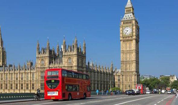 Британское правительство допустило утечку данных своих граждан