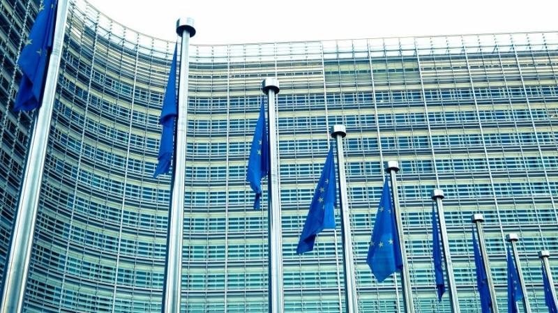 Еврокомиссия изучает нефинансовые применения блокчейна