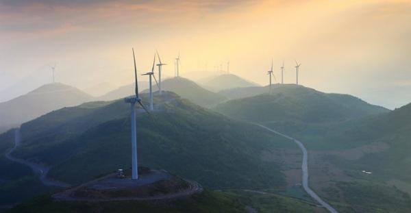 Китай нарастил мощность альтернативной энергетики почти на 80 ГВт за полгода