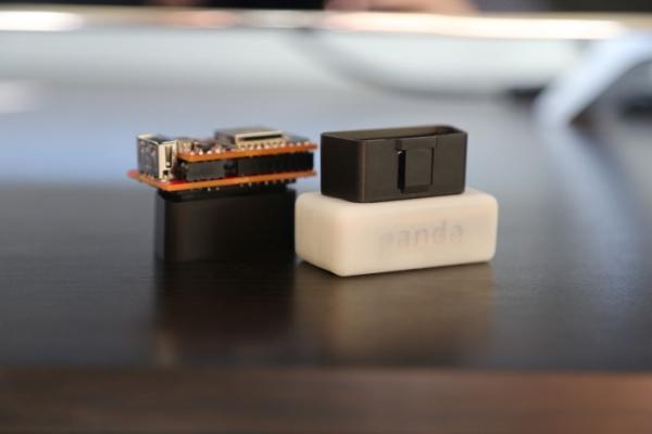 Хакер Geohot разработал автомобильный «фитнес-трекер» за 88 долларов