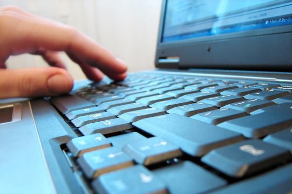 В Минкомсвязи указали на недостатки в законопроекте об удалении информации из соцсетей