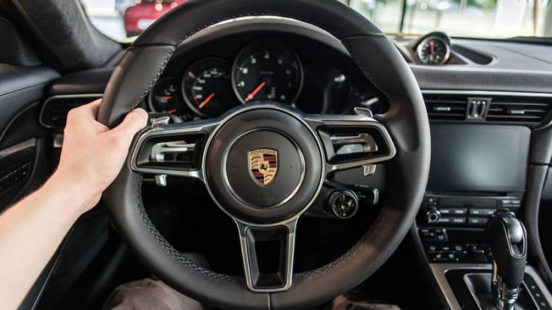 На конкурсе инноваций Porsche представлен проект блокчейн-автомобиля