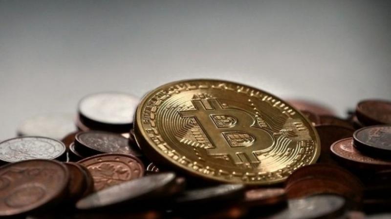 Экс-сотрудник ЦРУ: биткоин поможет России обойти санкции
