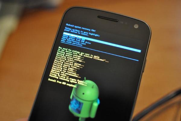 Google исправила 10 критических уязвимостей в Android