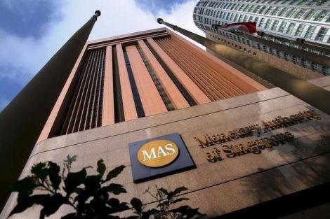 Центральный банк Сингапура планирует регулировать биткоин платежи