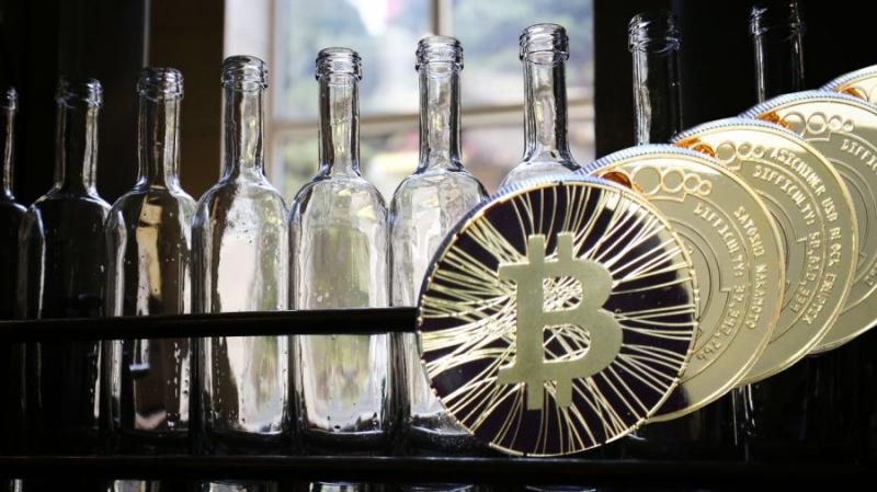 Не только деньги: Bitcoin и Ethereum станут крепкими напитками