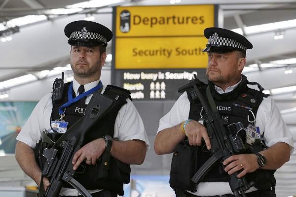 Безработный нашел USB-накопитель с данными о системе безопасности аэропорта Хитроу