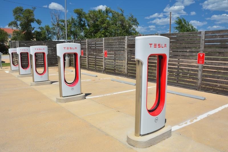 Находчивые владельцы Tesla майнят криптовалюту