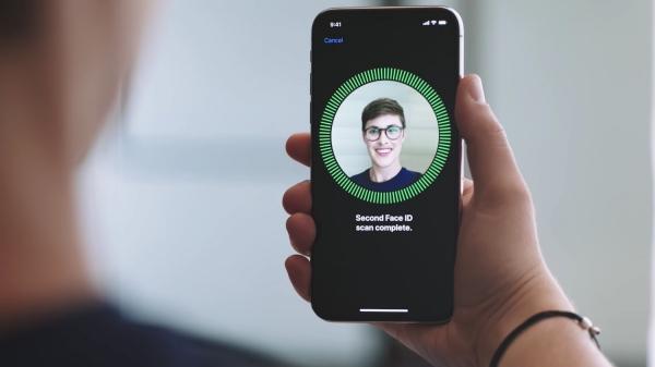 Huawei представила собственный аналог Face ID и анимодзи
