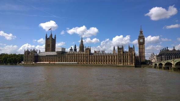 Британское правительство обвинило РФ в атаках на свои энергосети