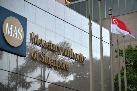 Центробанк Сингапура будет применять законы о ценных бумагах к ICO-токенам