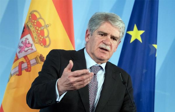 """Глава МИД Испании обвинил """"российских хакеров"""" во вмешательстве в дела ЕС"""
