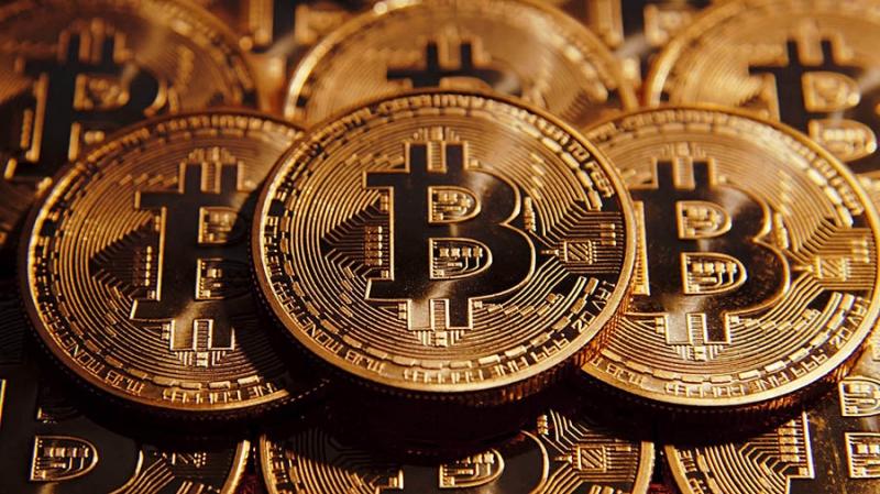 Опрос Рона Пола: более 50% респондентов хотят владеть биткоином