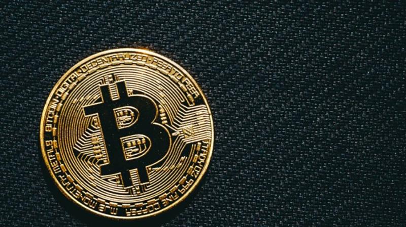 Сайт Investopedia назвал биткоин «словом 2017 года»