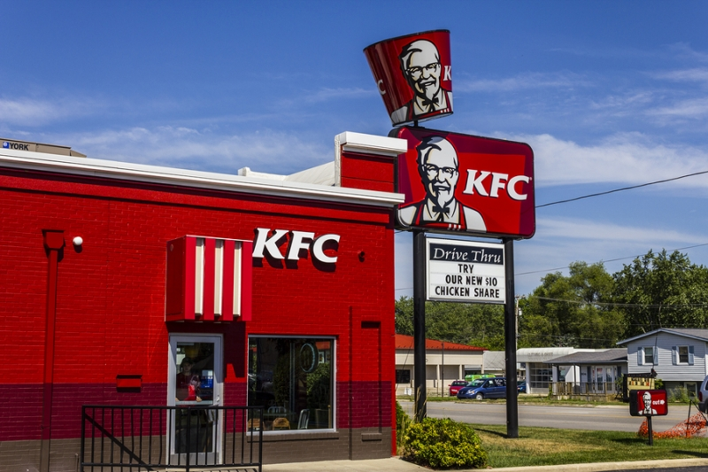 Фастфуд по-канадски: курица и картошка из KFC за биткоины