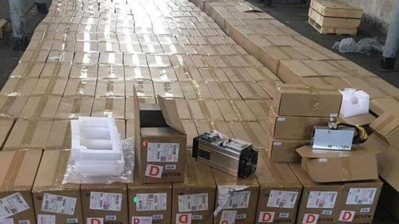 На таможне в Борисполе изъяты ASIC-майнеры на 13 млн гривен