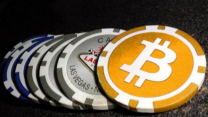 Глава ЦБ Канады: торговля криптовалютами сравнима с азартными играми