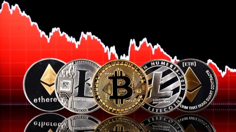 Все ведущие криптовалюты снижаются на фоне расследования CFTC